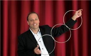 Comedy Magician & Illusionist John Robert - Sarasota