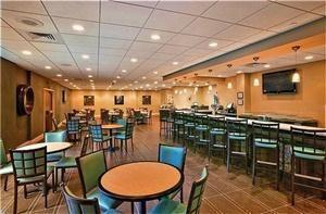 Aqua Restaurant And Lounge