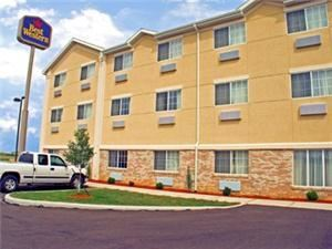 Best Western - Napoleon Inn & Suites