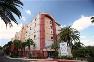 Greenwood Suites Anaheim Resort