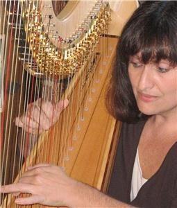 Harpist Melissa Gallant