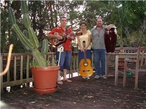 Nuestra Tierra Trio