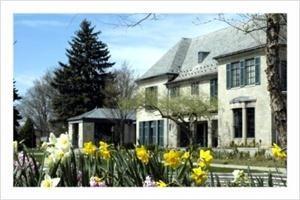 Earhart Manor