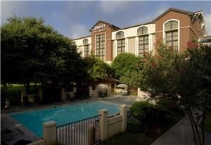 Drury Inn & Suites Airport - San Antonio
