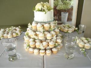 Wedding Showcakes & Invitations
