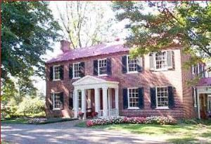 Tucker House Bed & Breakfast