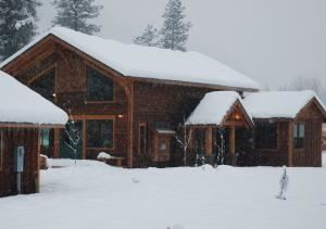 Icicle Creek Lodge
