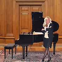 Chicago Pianist Kathie Nicolet
