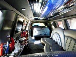 Sam's Luxury Limos - Aurora
