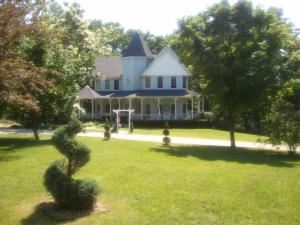 Hawk Point B&B and Wedding Venue