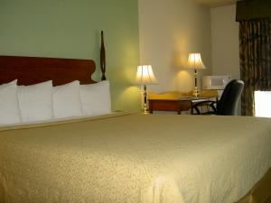 Quality Inn Sequoia Area