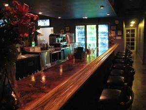 Vintages Cocktail & Espresso Bar