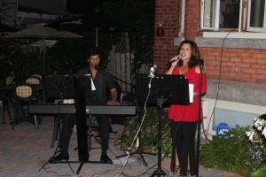 Bev Dunn Professional Vocalist